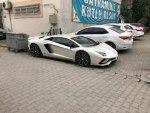 Kenan Sofuoğlu, AK Parti binasına Lamborghini'yle geldi
