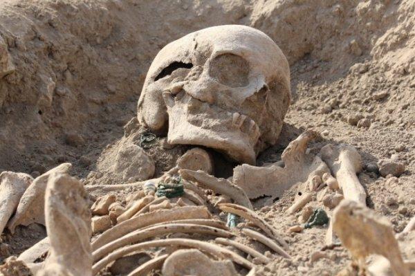 Urartu kadınlarına ait mezarlar bulundu