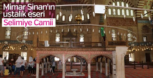 Osmanlı mimarisinin estetiği olan Selimiye Camii