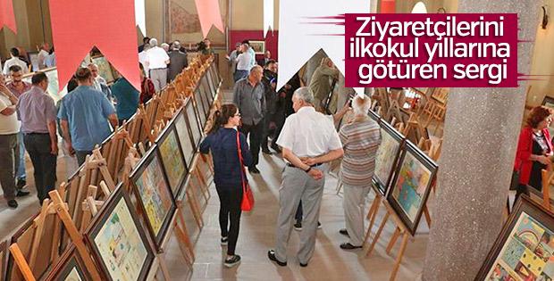 Okullarda kullanılan afişlerden sergi açtı