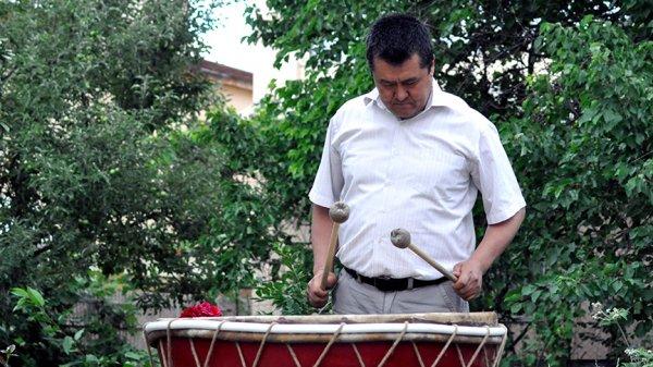 Kırgız geleneksel müzik aletleri hayata dönüyor