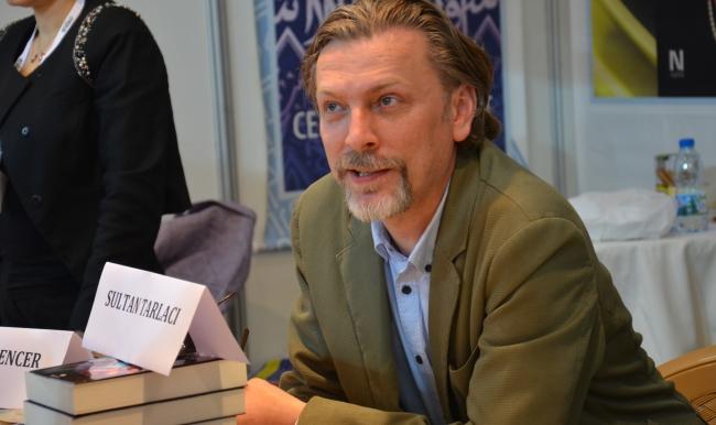 Sultan Tarlacı'nın Suç ve Beyin kitabı yayımlandı
