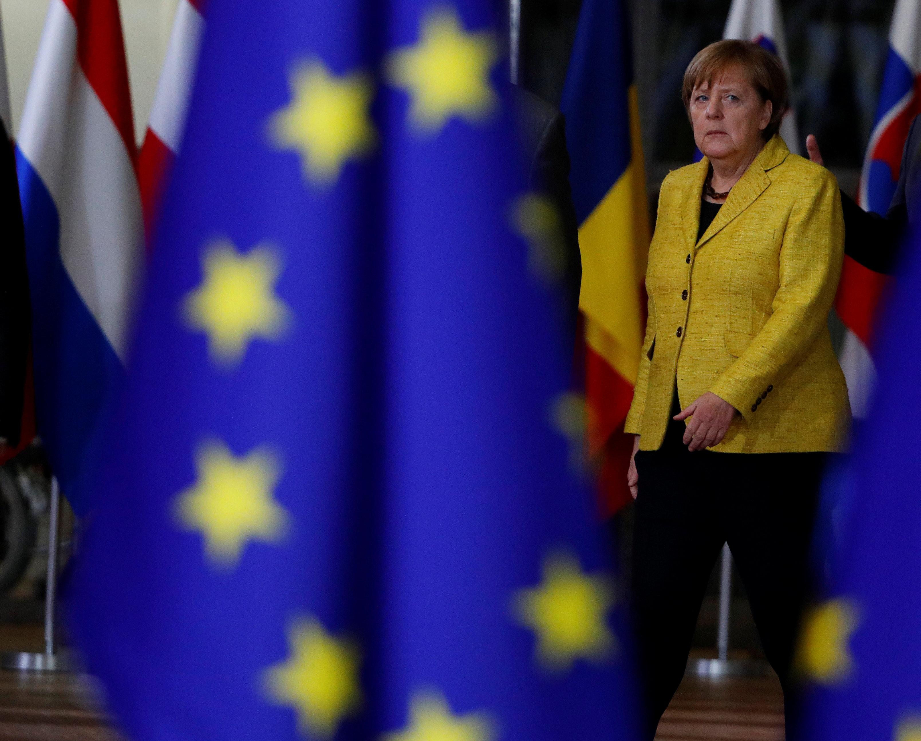 Merkel'den AB'ye mülteci sitemi: Dayanışma içinde değiliz