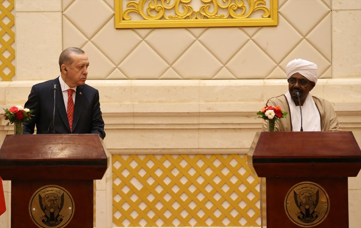 Erdoğan-El Beşir basın toplantısı