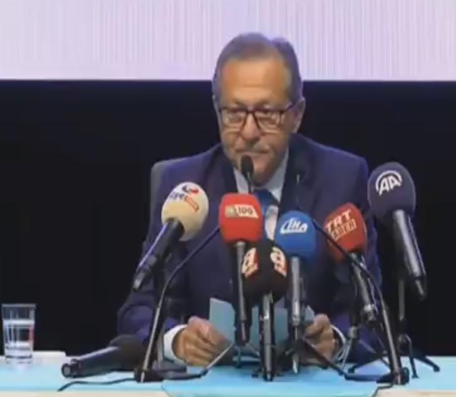 Ahmet Edip Uğur istifa etti