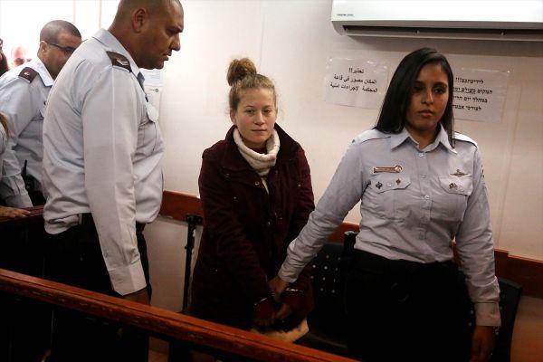 Filistinli cesur kız Temimi'nin gözaltı süresi uzadı