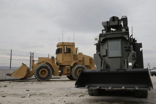 İnsansız iş makineleri Afrin'de
