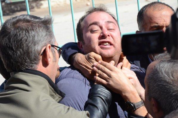 Kılıçdaroğlu'na tepki gösteren şehit yakını susturuldu
