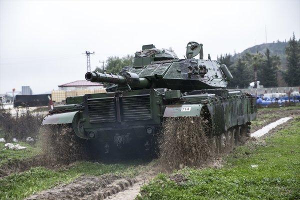 Afrin için tank sevkiyatları sürüyor