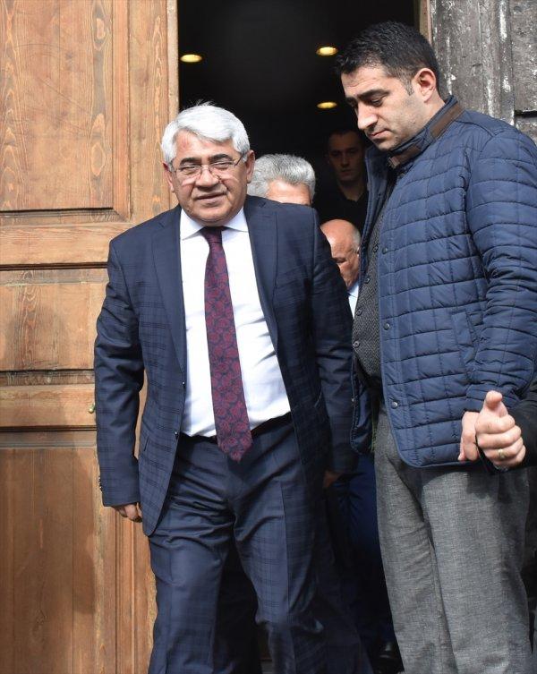 Kars Belediye Başkanı partisinden istifa etti
