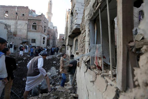 Suudi Arabistan jetleri Yemen'i vurdu