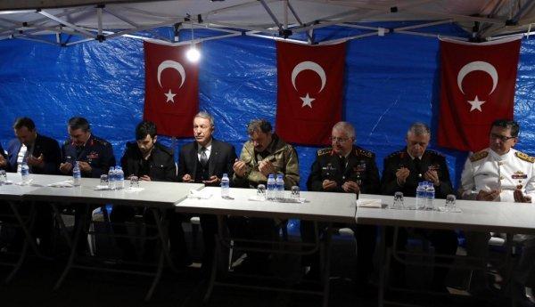 Bakan Akar'dan terörle mücadelede kararlılık mesajı