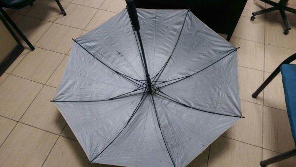 Teröristlerin içi ısı geçirmez şemsiyesi