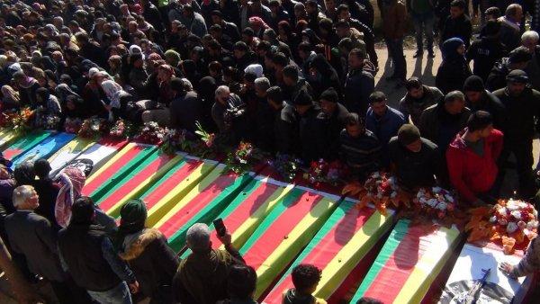 Afrin'de öldürülen teröristleri gömdüler