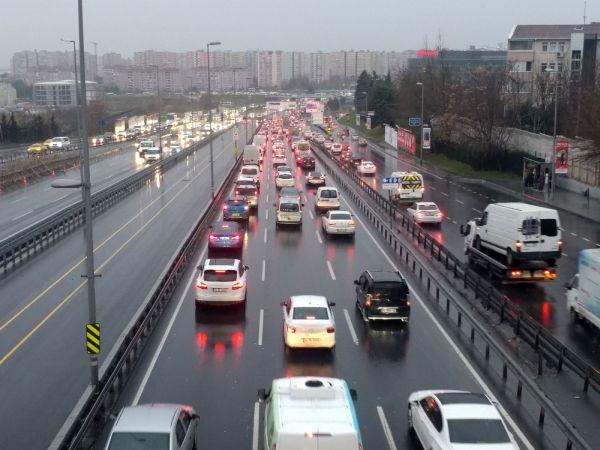 İstanbul'da trafiğinde yılbaşı yoğunluğu
