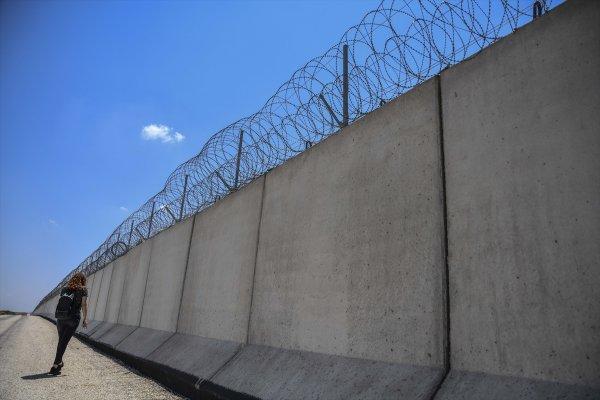 Sınırdaki 564 kilometrelik güvenlik duvarı tamamlandı