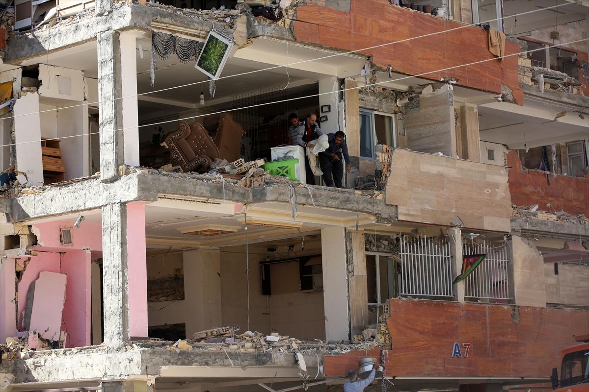 Depremin vurduğu İran'da ağır bilanço