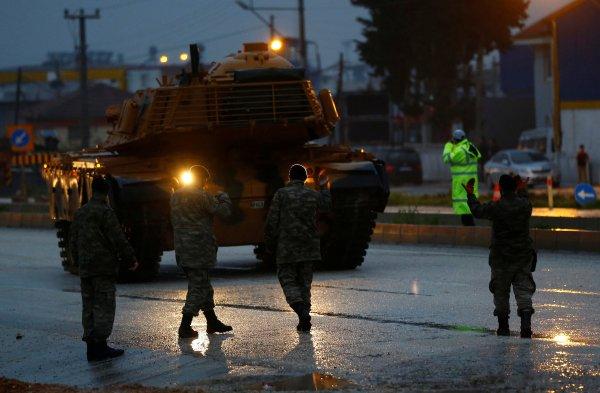 Türk tankları Reyhanlı'da