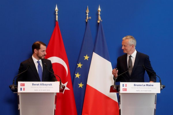 Bakan Albayrak'tan Fransa'da kritik zirve