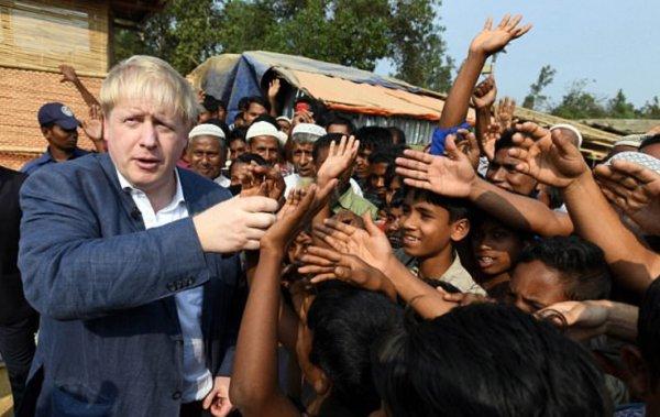 Boris Johnson Arakanlılarla