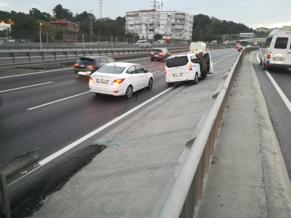 D-100'deki zincirleme kaza trafiği sıkıştırdı