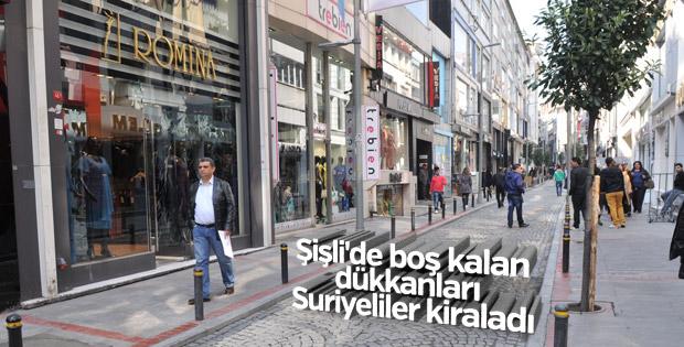 Şişli'de boş kalan dükkanları Suriyeliler kiraladı
