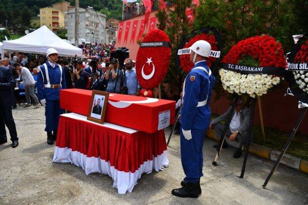 Trabzon şehit Baştan'ı uğurladı