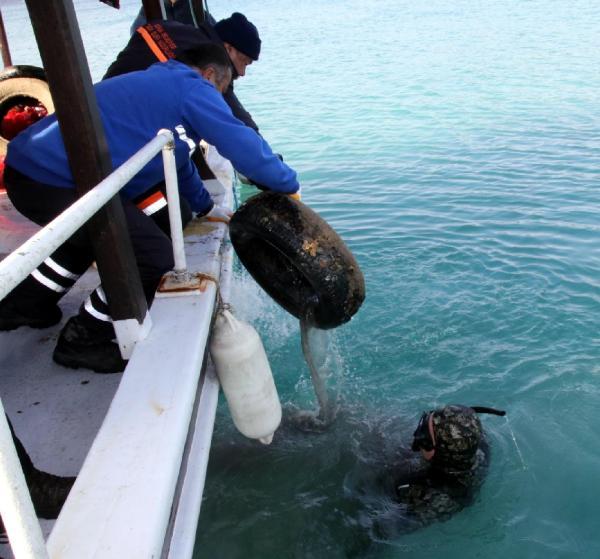 Bodrum'da denizden yarım ton atık çıktı