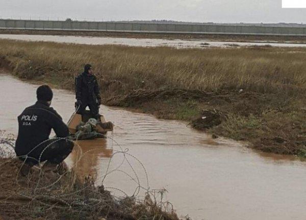 Akçakale'de zırhlı araç sele kapıldı