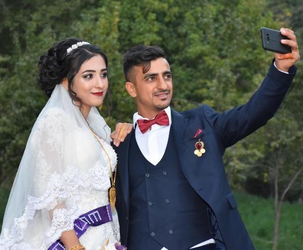 Aşiret düğününde halay ile Türkiye haritası oluşturdular