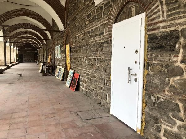 Tarihi Pirinç Han'a beyazçelik kapı taktırdı