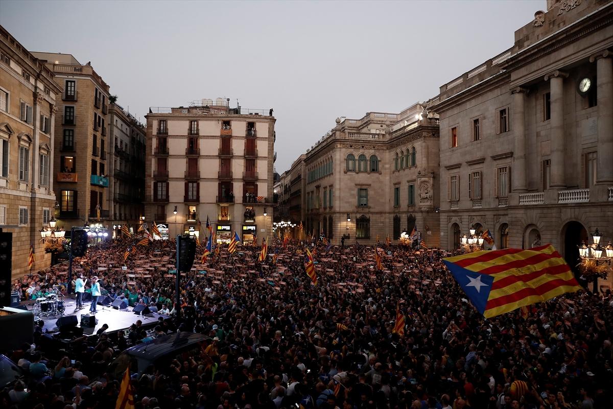 İspanya Katalonya kurumlarına kayyum atayacak