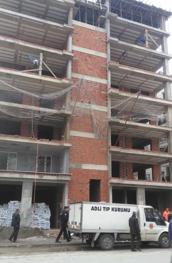 Suriyeli işçi ilk iş gününde 6'ncı kattan düşerek öldü