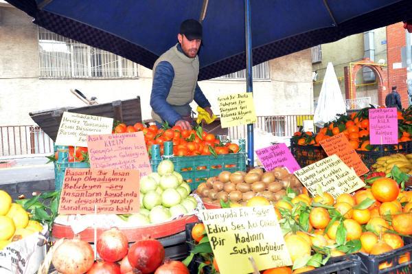 Şair ruhlu pazarcıdan şiir gibi pazar tezgahı