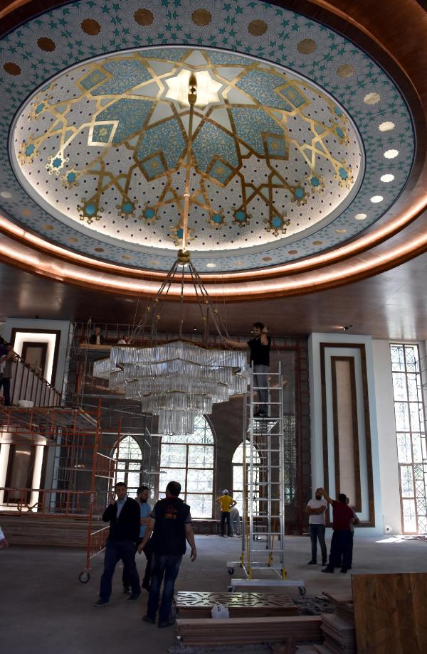 Hulusi Akar, yapımına katkıda bulunduğu camiyi açacak