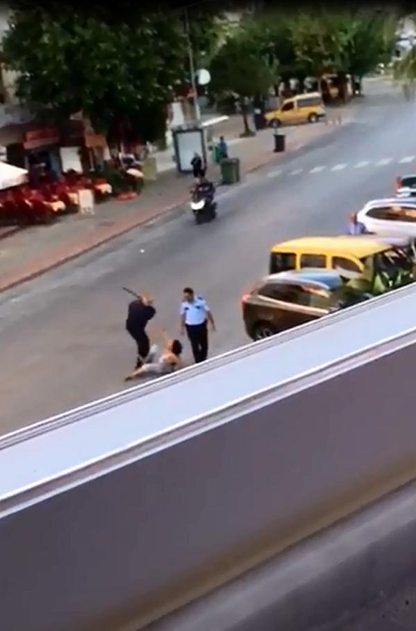Alanya'da turist kadına dayak atan polis tutuklandı
