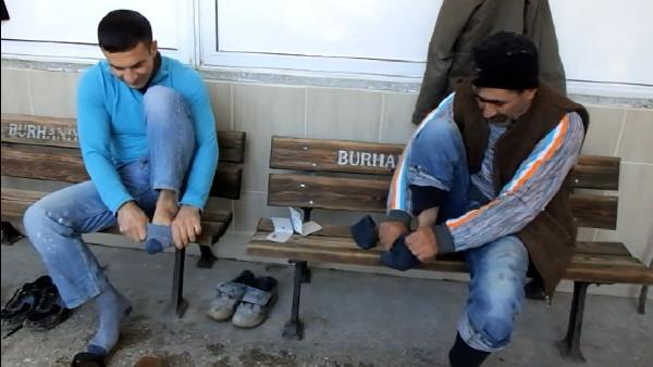 Camide hijyen için 'askıda çorap' uygulaması