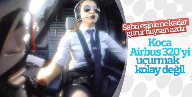Yağmur Sarıoğlu'nun uçak kullanma videosu