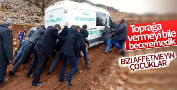 Aladağ'da cenazeleri taşıyan araçlar çamura saplandı