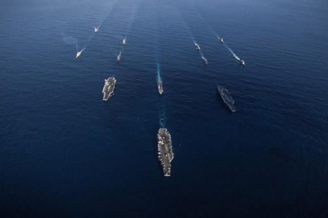 Amerikan donanması Pasifik'te savaş düzenine geçti