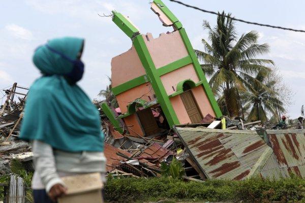 Endonezya'da depremin bilançosu artıyor: 2 bin 245 ölü