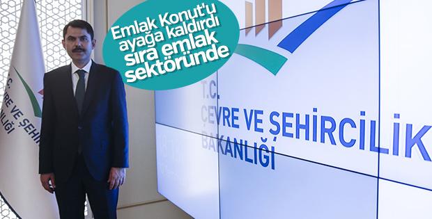 Murat Kurum görevine başladı