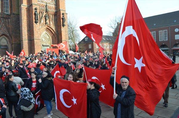 Almanya'da Zeytin Dalı Harekatı'na destek mitingi