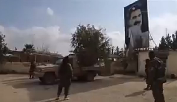 Afrin'de Öcalan fotoğrafıyla drift şov