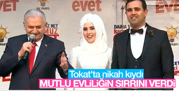 Başbakan Yıldırım Tokat mitinginde çiftin nikahını kıydı