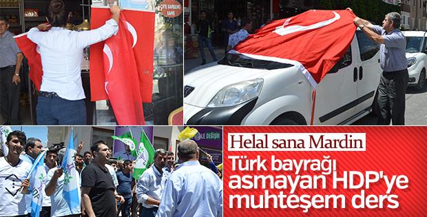 Mardin'de HDP'ye Türk bayrağı tepkisi