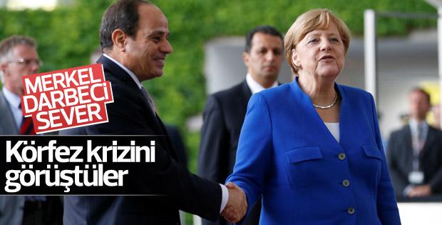 Merkel, Sisi ile görüştü