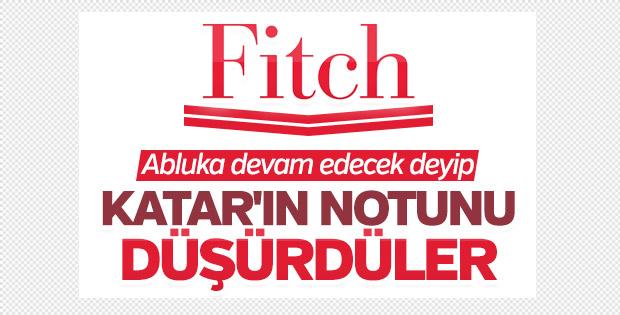 Fitch, Katar'ın kredi notunu düşürdü
