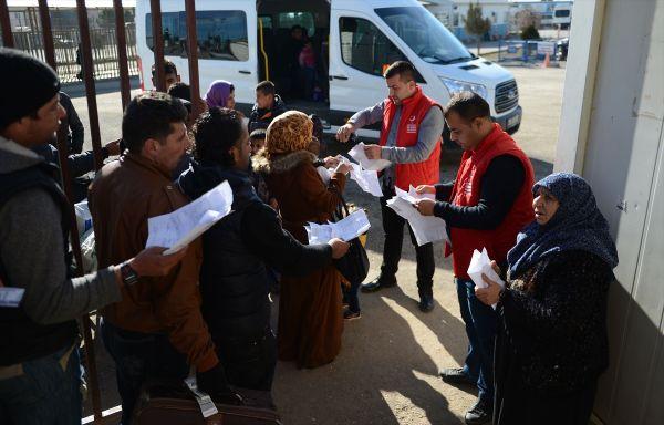 Suriyeli 120 kişilik grup ülkesine döndü