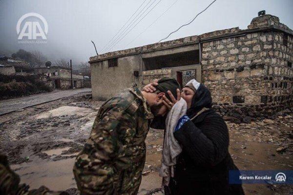 Suriye sınırında Mehmetçike sevgi seli